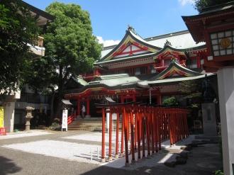 京浜伏見稲荷神社の境内