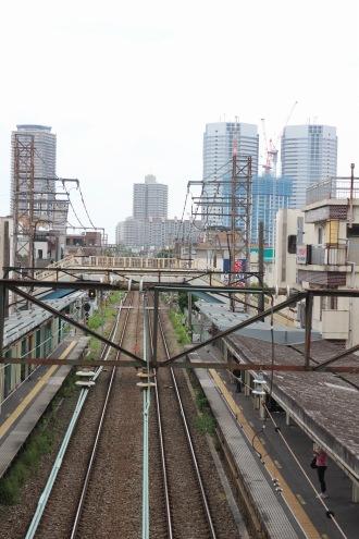 現在の平間駅から、鹿島田・新川崎方面