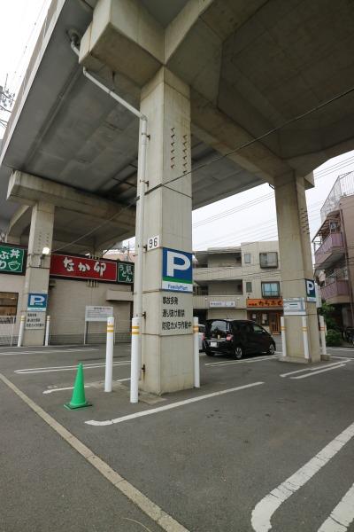 ファミリーマート武蔵中原店の駐車場