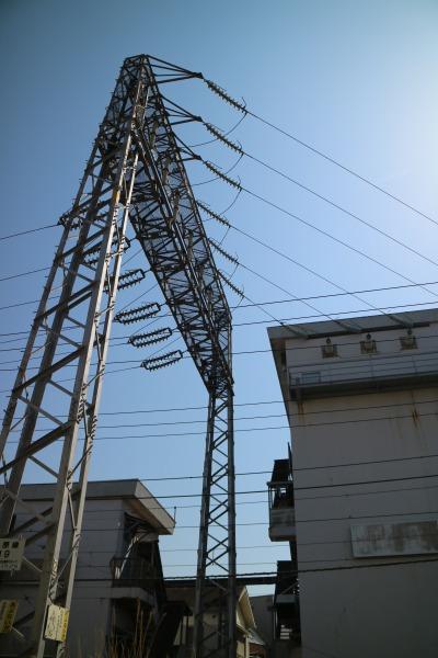 向河原変電所から延びる送電線