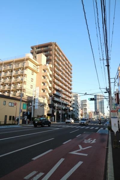 元住吉店がオープンする綱島街道沿いのビル