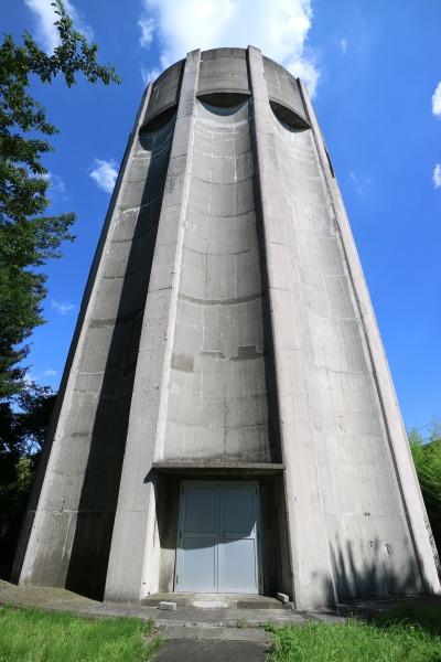 「平間配水所」の給水塔