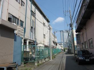 ケーヒン川崎工場周辺(写真奥はNEC玉川ルネッサンスシティ)