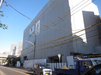 府中街道から見るクレストフォルム武蔵小杉サウスステージ