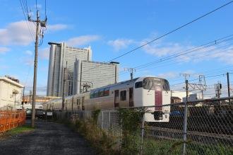 鉄道に挟まれた土地