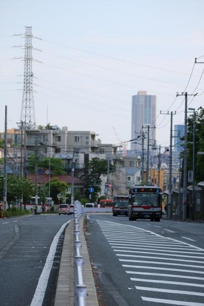 綱島街道の坂道を下る帰り道
