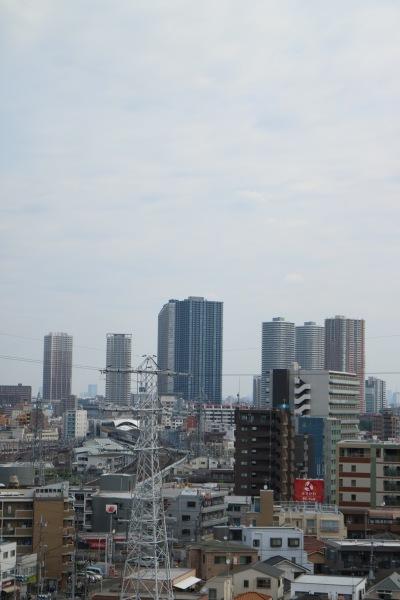日吉キャンパスから見えた武蔵小杉のタワーマンション