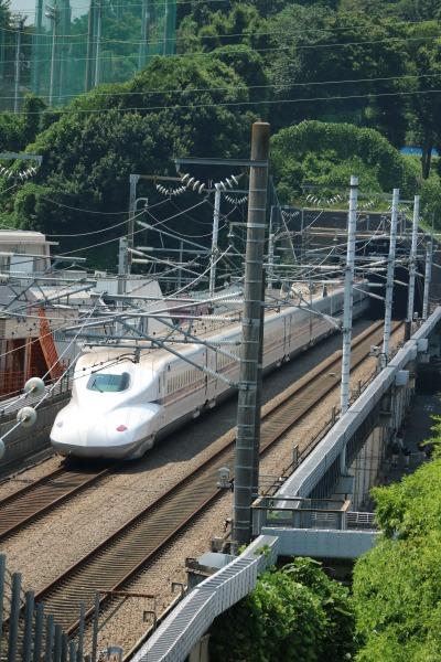 矢上キャンパスの下を通る東海道新幹線