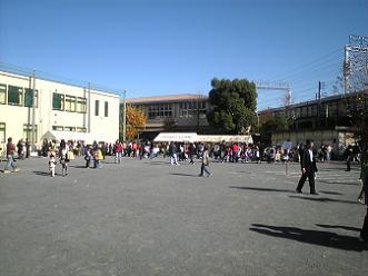 上丸子小学校の校庭