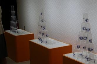 ミニゲーム「プラスチックカップ積み上げ競争」
