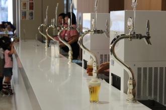 試飲ビールのサーバー