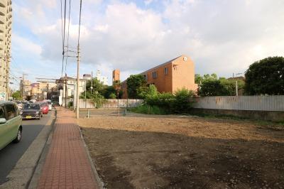 「小杉っこスペース」が移転する府中街道拡幅の遊休地