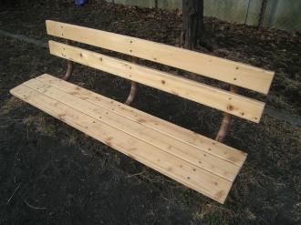 新しくなったベンチ2