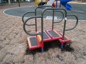 中丸子まるっこ公園の健康器具