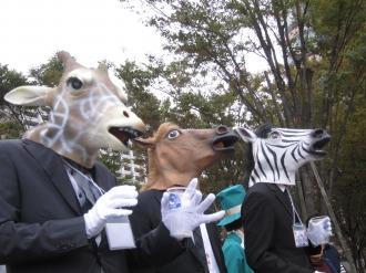 ジャズのリズムに乗るお馬さんたち