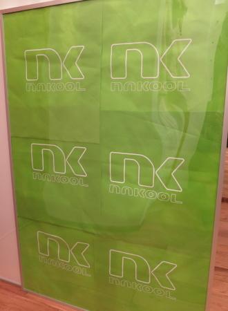 「ナクール」出店の看板