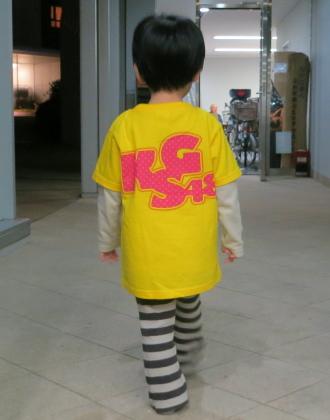 「KSG48」のTシャツ