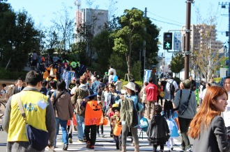 横須賀線武蔵小杉駅前の賑わい