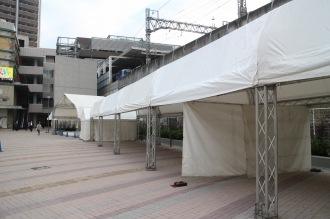 出展各団体のテント