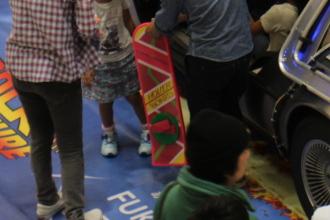 フライングスケートボード