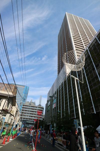 「コスギんピック」が開催された武蔵小杉東急スクエア前の道路