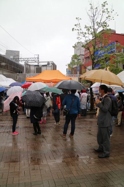 雨降るコスギフェスタ