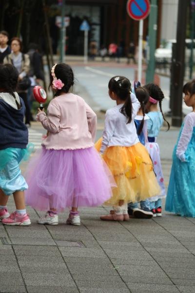 街中で見られた仮装の子どもたち