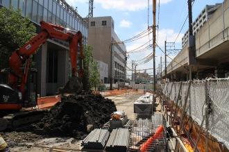 拡幅工事中の都市計画道路