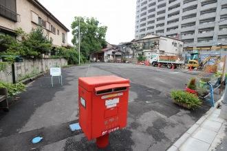 川崎信用金庫の仮設店舗が建設される「64Cafe+Ranai」前の空き地