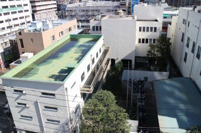 旧中原図書館と「武蔵小杉駅周辺自転車等駐車場第6施設」