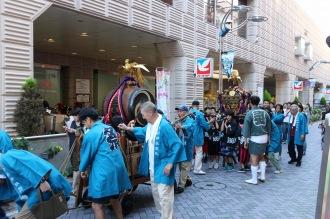 山車と、子ども神輿
