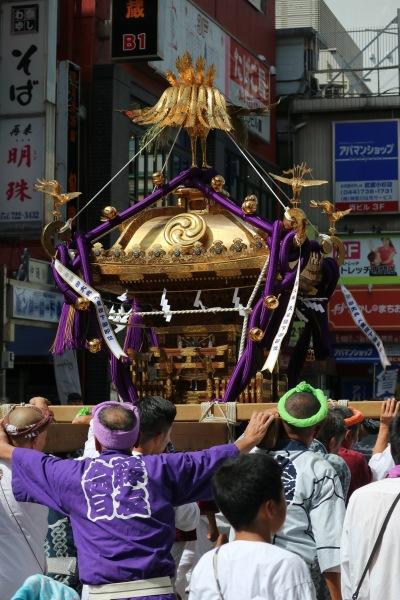 小杉神社の大神輿