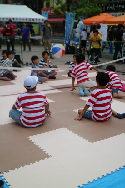 パラスポーツ体験「シッティングバレー」