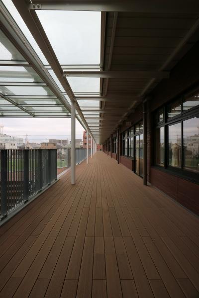 校舎2階の廊下