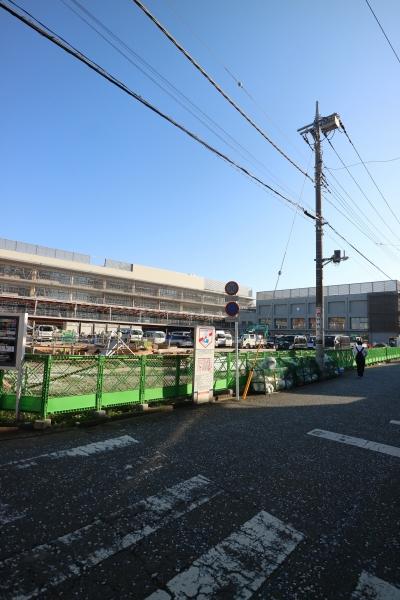 川崎市立小杉小学校の全景