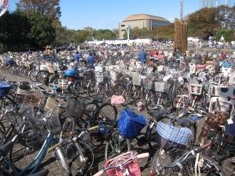 """なかはら""""ゆめ""""区民祭に集まった自転車"""