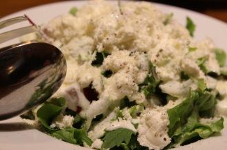 自家製チーズのサラダ(730円)