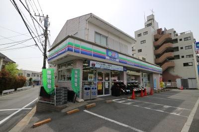 販売店のスリーエフ川崎市ノ坪店