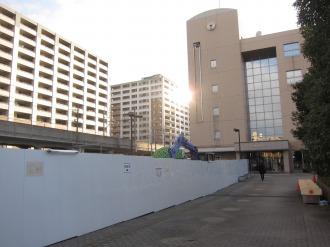 中原区役所の閉鎖された広場