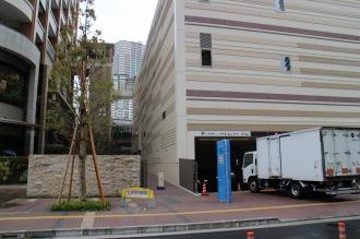 駐輪場・駐車場の入口