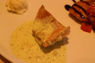 肉料理メイン・魚料理サブの例