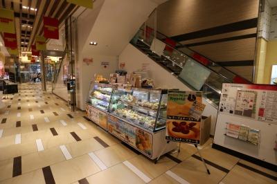 1階エレベータ脇の催事出店