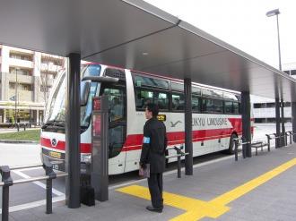 横須賀線武蔵小杉駅ロータリーのリムジンバス
