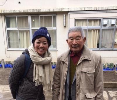 「菅のらぼう菜保存会」の高橋さん(右)