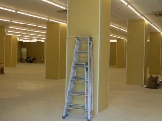 内装工事が進む「マルエツ小杉店百円館」