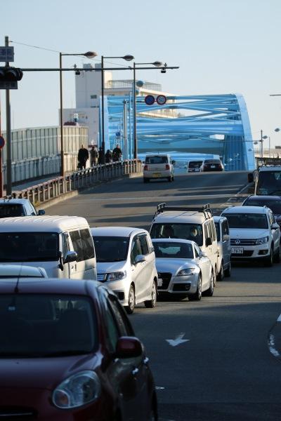 丸子橋に向かう中原街道(中原区側・綱島街道合流地点から)