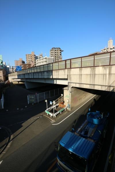 多摩沿線道路をまたぐ「上子橋」