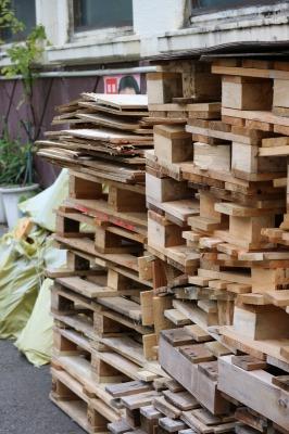 丸子温泉の薪