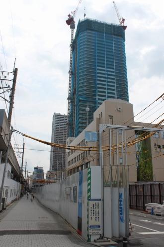 「マッキャンズ」仮店舗前の拡幅予定道路