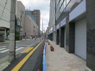 「セントア武蔵小杉」前の歩道